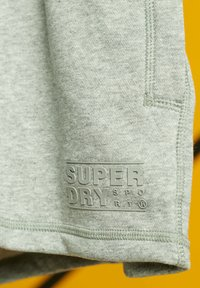 Superdry - kurze Sporthose - grey marl - 3