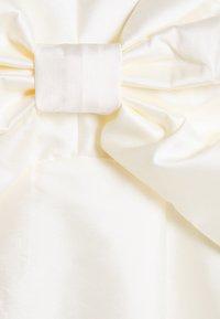 Forever New - MCKENNA STRAPPY MINI DRESS - Koktejlové šaty/ šaty na párty - ivory - 2