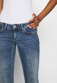 ONLY - ONLCORAL LIFE  - Jeans Skinny Fit - dark blue denim - 4