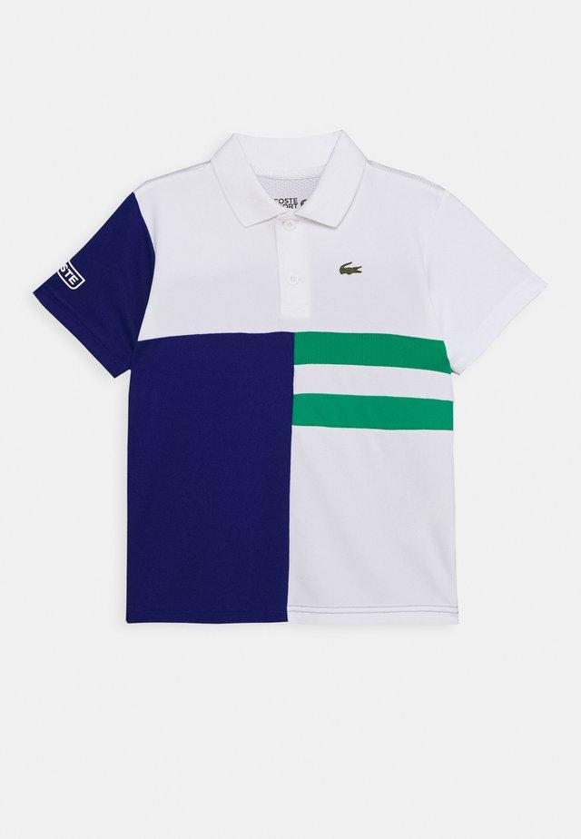 TENNIS - Polo shirt - white/cosmic/greenfinch/white