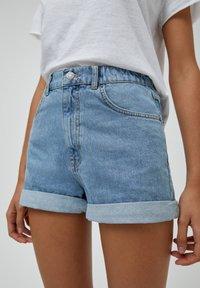 PULL&BEAR - Short en jean - light blue - 4
