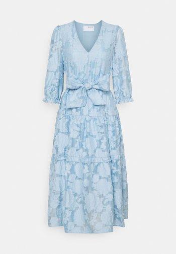 SLFSADIE MIDI DRESS - Denní šaty - cashmere blue