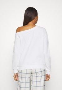 Even&Odd - LOOSE OFF SHOULDER SWEATSHIRT  - Sweatshirt - white - 2