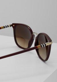 Burberry - Occhiali da sole - brown gradient - 2