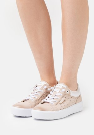 KELLI - Trainers - rose/white