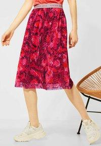 Street One - Pleated skirt - rot - 1