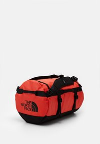 The North Face - BASE CAMP DUFFEL S UNISEX - Sports bag - flare/black - 2