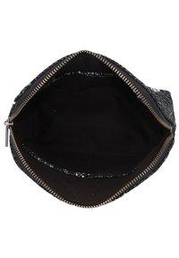 Cowboysbag - Wash bag - snake black/white - 4