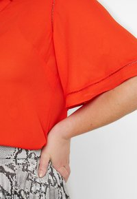 CAPSULE by Simply Be - LADDER INSERT TUNIC - Bluser - orange - 4