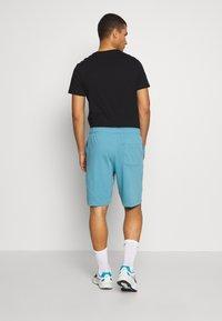 Nike Sportswear - CLUB - Shorts - cerulean - 2