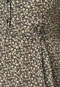 Pieces Curve - PCSAPRIL MIDI DRESS - Shirt dress - black - 6