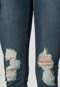 Missguided - SINNER DISTRESS KNEE CUT  - Jeans Skinny - blue - 4