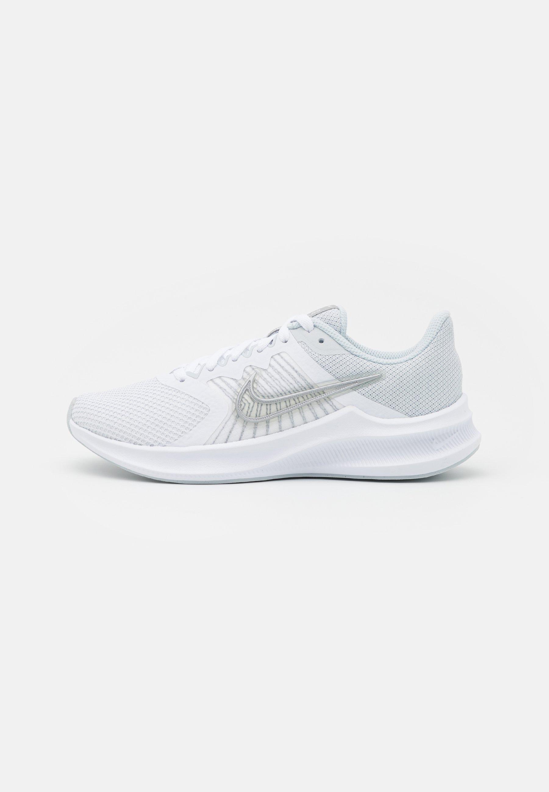 Women DOWNSHIFTER 11 - Neutral running shoes
