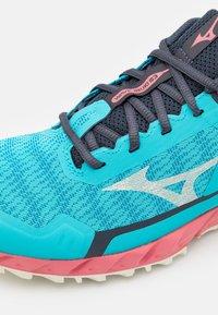 Mizuno - WAVE IBUKI 3 - Trail running shoes - scuba blue/snow white/tea rose - 5