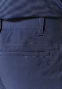 Under Armour - TAKEOVER GOLF PANT TAPER - Chino kalhoty - blue ink - 4
