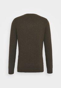 Lyle & Scott - CREW NECK JUMPER - Stickad tröja - trek green marl - 5