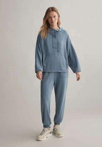OYSHO - Teplákové kalhoty - blue - 1