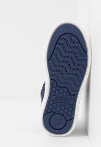 Geox - SKYLIN GIRL FROZEN ELSA - Sneakers hoog - navy/lilac - 4