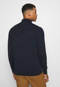 Burton Menswear London - FINE GAUGE ROLL  - Maglione - navy - 2