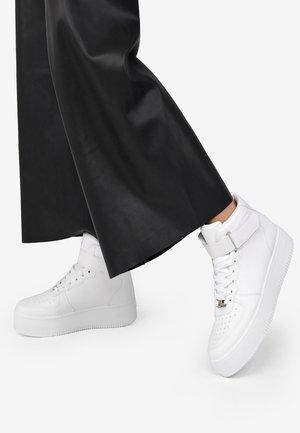 VEGANA  - Zapatillas altas - blanco