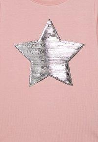 Name it - NKFLISTAR - T-shirt à manches longues - coral blush - 2