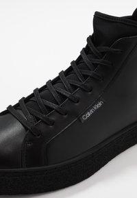 Calvin Klein - ERVE - Sneakersy wysokie - black - 5