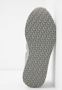 Lacoste - PARTNER  - Sneaker low - grey/white - 6