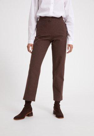 KORNELIAA - Trousers - cocoa
