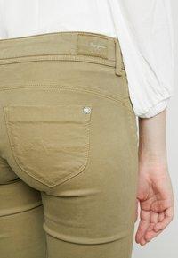 Pepe Jeans - KATHA - Spodnie materiałowe - brown olive - 4