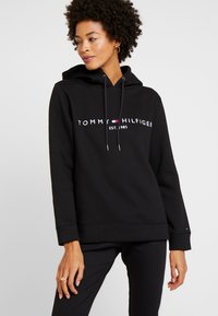 Tommy Hilfiger - HOODIE - Jersey con capucha - black - 0