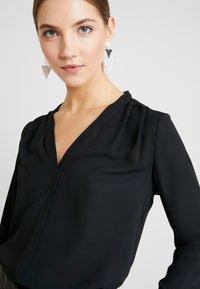 Vero Moda - VMELIZABETH - Bluse - black - 3