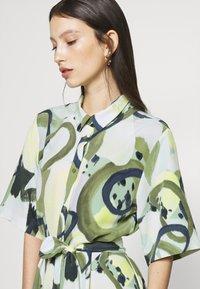 Monki - ADRIANA DRESS - Skjortekjole - khaki - 4