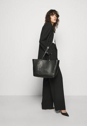 CHLESEA SHOPPER - Tote bag - black