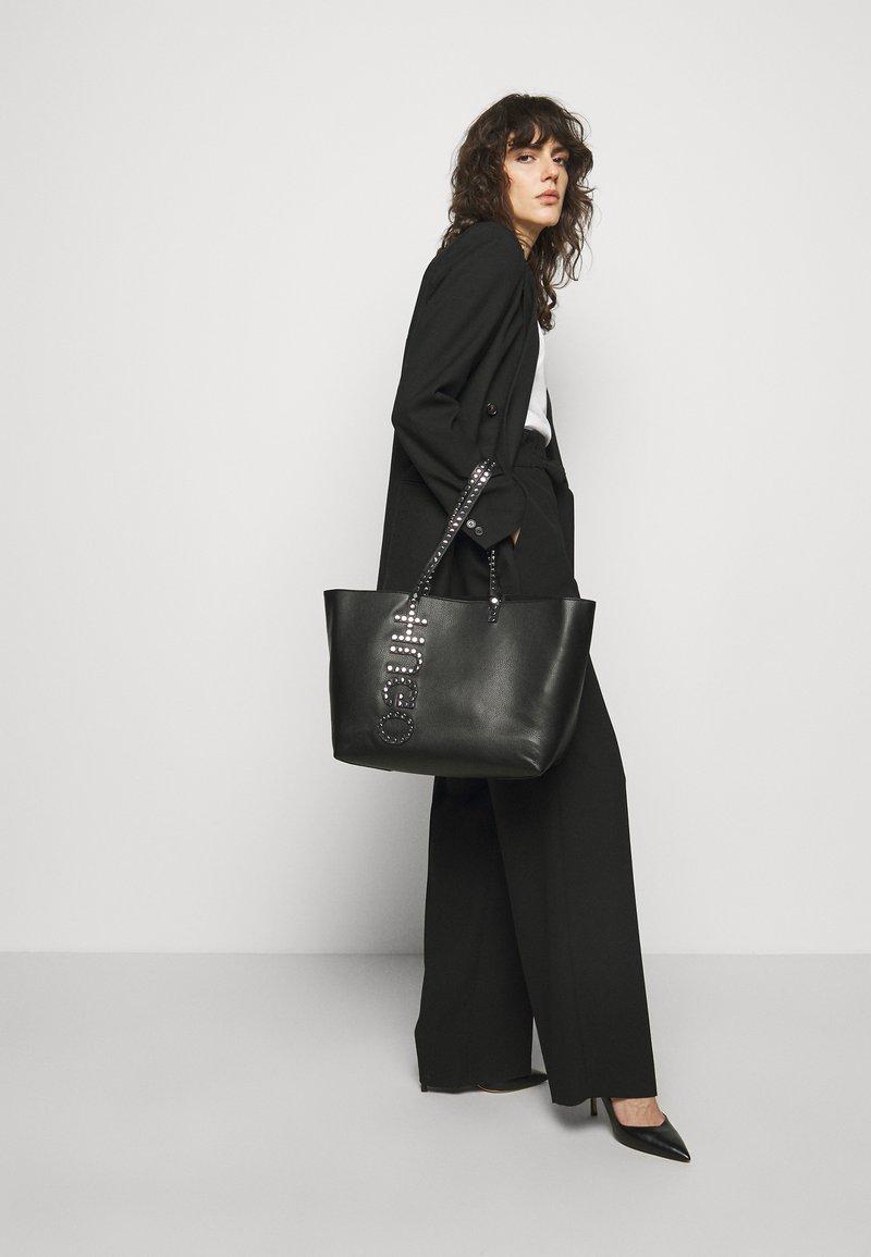 HUGO - CHLESEA SHOPPER - Velká kabelka - black