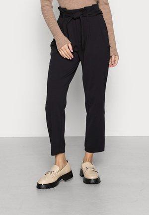 ONLSURI CAROLINA PANT - Pantalon classique - black