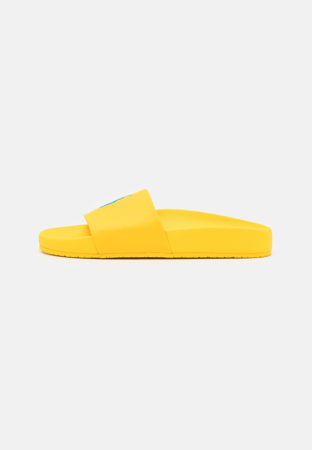CAYSON UNISEX - Mules - yellow fin