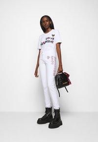 Love Moschino - T-shirt imprimé - white - 1