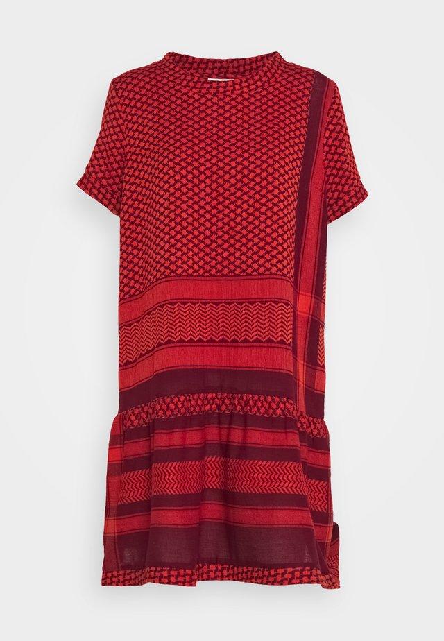 DRESS - Korte jurk - safran