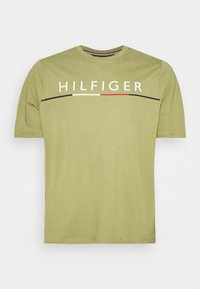 Tommy Hilfiger - GLOBAL STRIPE TEE - T-shirt con stampa - green - 4
