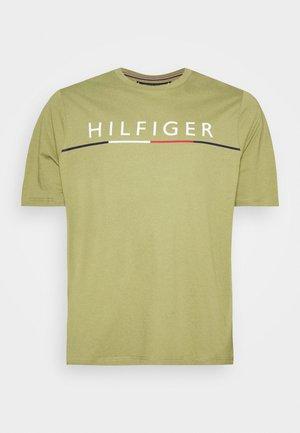 GLOBAL STRIPE TEE - T-shirt print - green