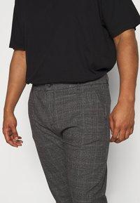 Jack´s Sportswear - CHECKED CLUB PANTS - Kalhoty - dark grey - 5