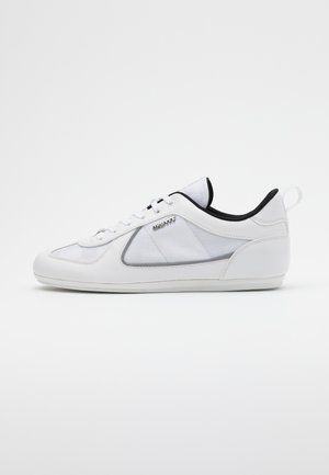 NITE CRAWLER - Trainers - white