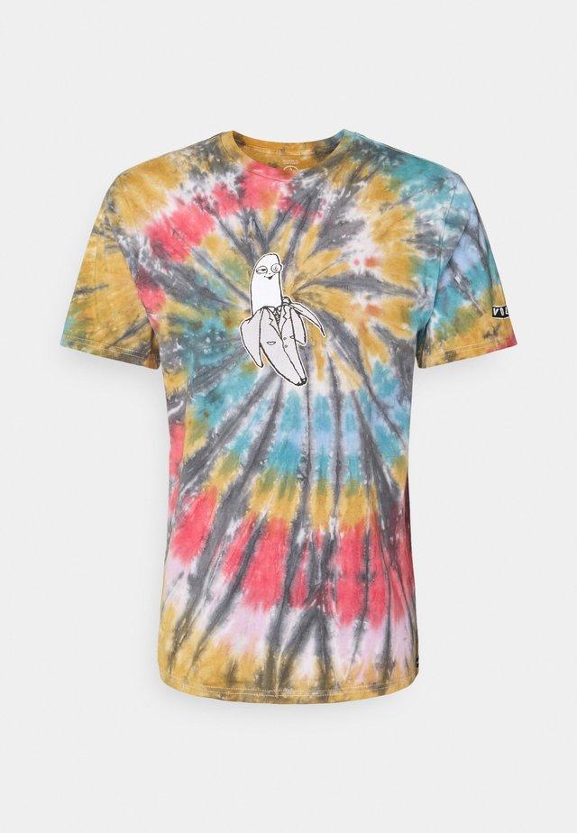 NANGNAR TEE - T-shirts med print - multicoloured