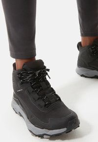 The North Face - W VECTIV EXPLORIS MID FUTURELIGHT - Chaussures de marche - tnf black/meld grey - 0