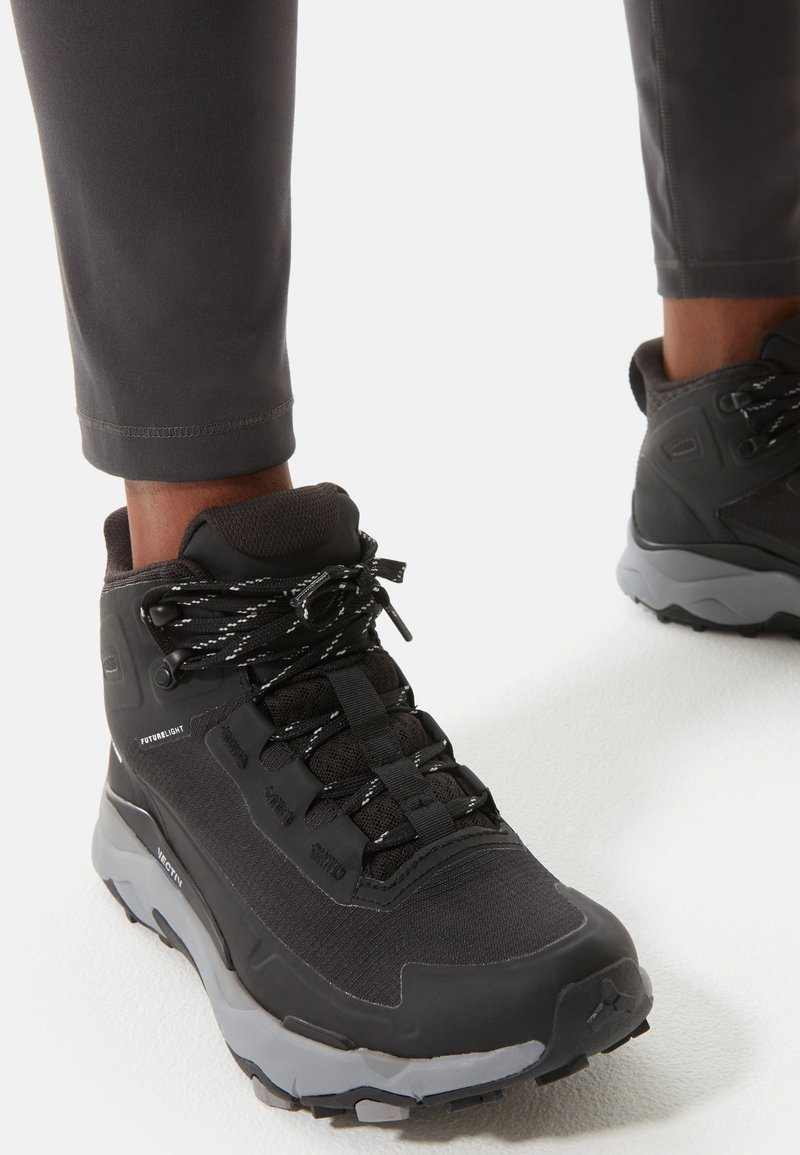 The North Face - W VECTIV EXPLORIS MID FUTURELIGHT - Chaussures de marche - tnf black/meld grey