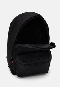 Levi's® - BASIC BACKPACK UNISEX - Rucksack - regular black - 2
