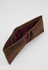 Tommy Hilfiger - JOHNSON - Wallet - brown - 6