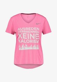 Nike Performance - Print T-shirt - pink - 0