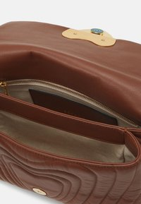 Escada - SHOULDER BAG - Handbag - cognac - 3