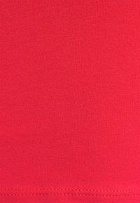 Vila - VILALI FESTIVAL CROPPED 2 PACK - Top - black/ highrisk red - 7
